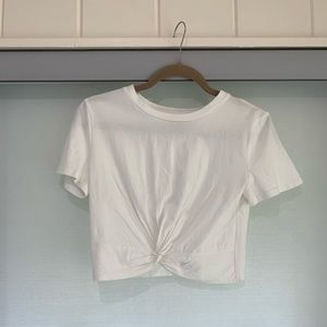 JOA knotted crop t